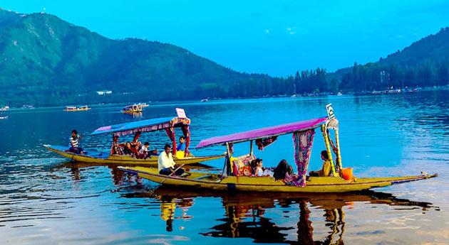 Dal lake Dal Lake srinagar