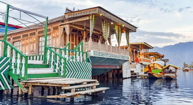 Houseboats srinagar