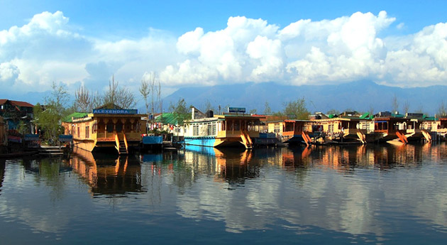 houseboat-stay-in-srinagar